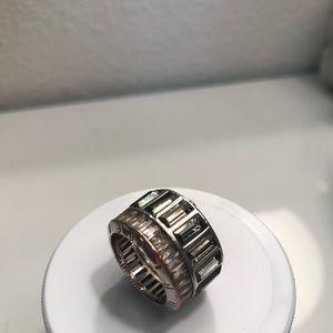 Henri Bendel ring size 6